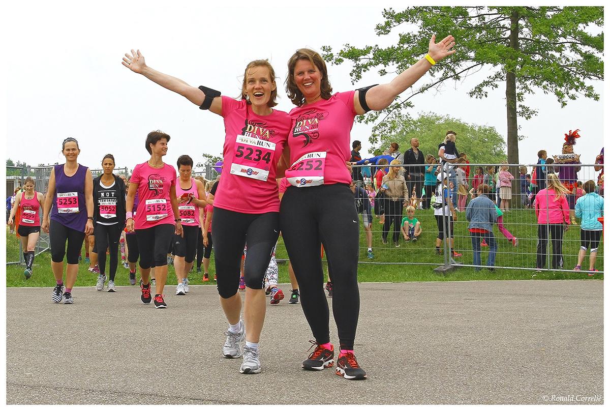 deelneemsters hardloopwedstrijd