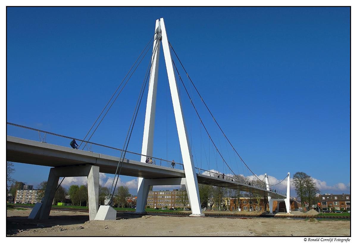 aanzicht van een brug