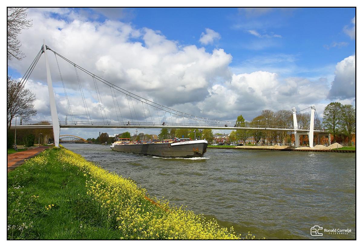 nieuwe brug over Amsterdam-Rijnkanaal