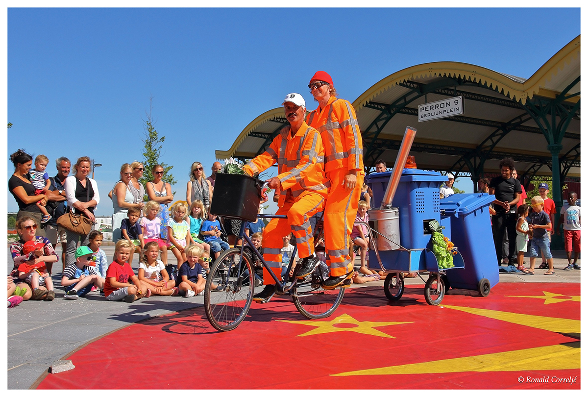acrobatiek straatfestival