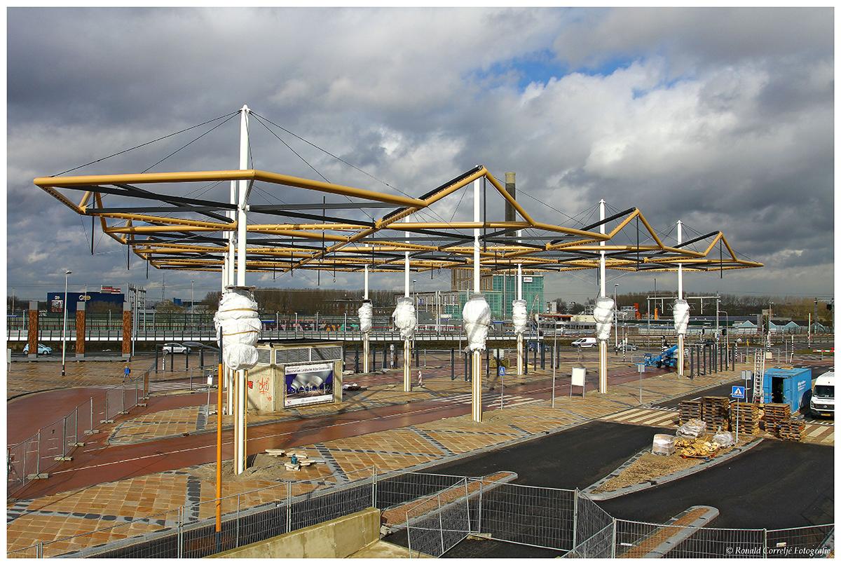 Montage staalconstructie busstation Leidsche Rijn Centrum