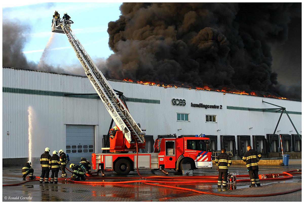 ladderwagen brandweer blussen