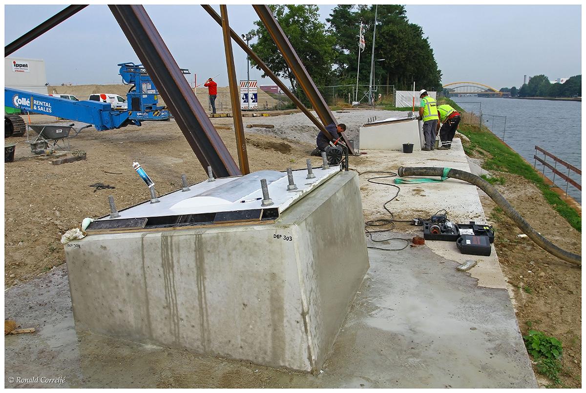 Dafne Schippersbrug in aanbouw