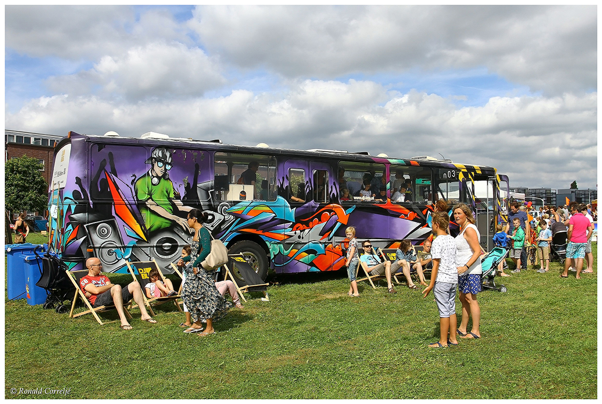 autobus op festivalterrein