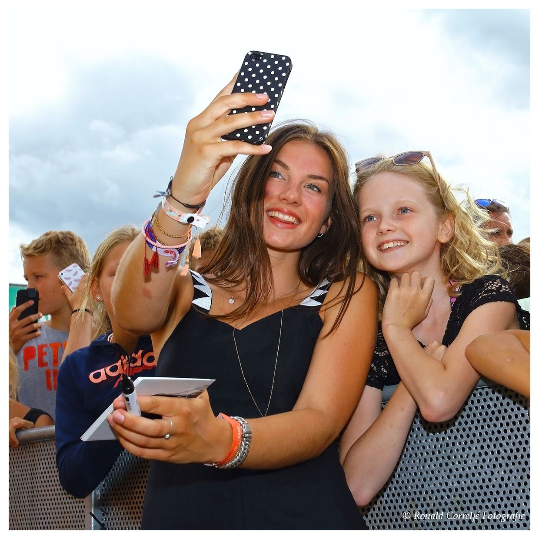 selfie met zangeres
