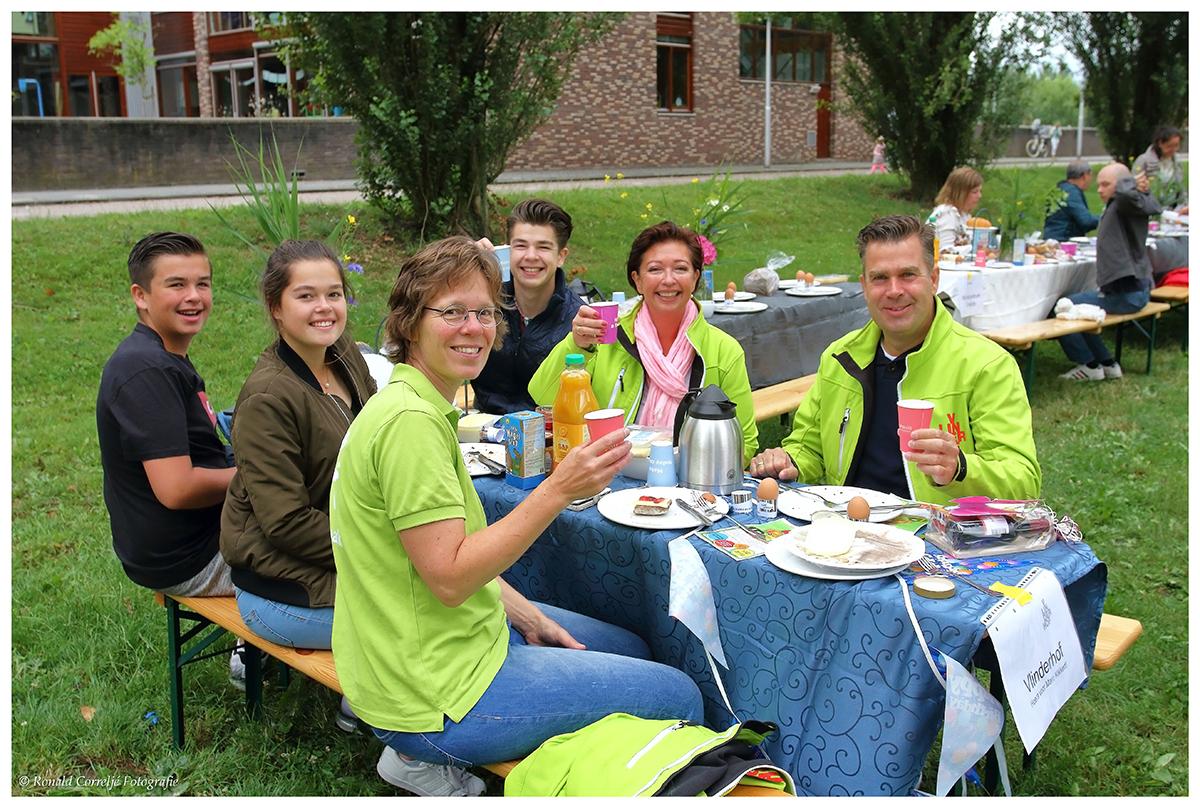 VIP tafel bij ontbijt in de buitenlucht