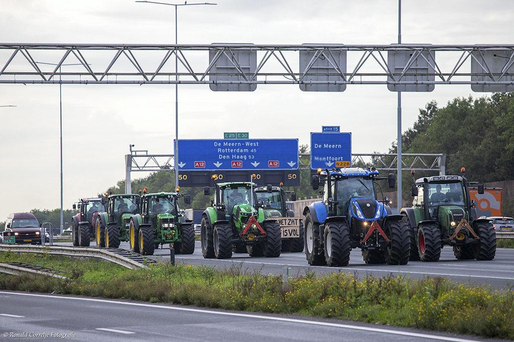 Tractoren op de snelweg